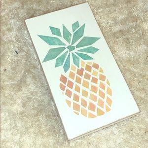 Pineapple wood 5x9 sign